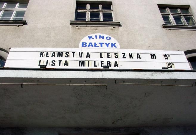 """Kino """"Bałtyk"""" to już wspomnienie. Może uda się uratować choć przystanek?"""