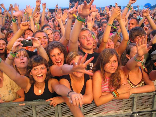 Heineken Open'er Festival przyciąga co roku na lotnisko w Babich Dołach tłumy ludzi