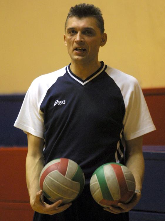 Ireneusz Kłos prowadził Gwardię najpierw w I lidze, potem w III. Dziś jego zespół zagra mecz na szczeblu II ligi.