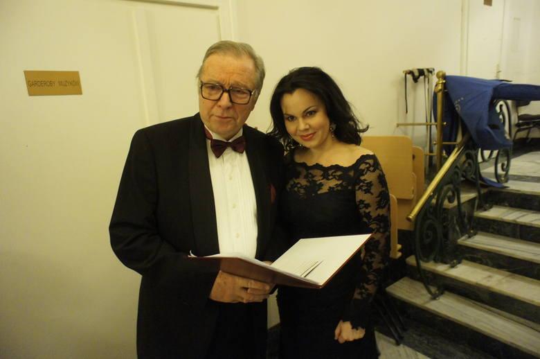 Przewodnikiem po muzyce był Krzysztof Zanussi