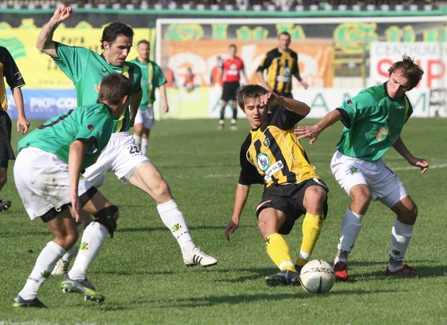 Mecz w Katowicach został przerwany przy stanie 1:0, a potem zweryfikowany na 3:0 dla gości