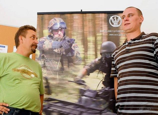 Do poznańskich WKU przychodzą kandydaci chętni do służby w polskiej gwardii
