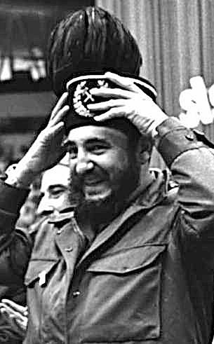 Fidel Castro na Śląsku. El Comandante otrzymał od śląskich górników insygnia zawodu oraz prestiżowy tytuł Honorowego Górnika Polski Ludowej. Jak zaznaczył