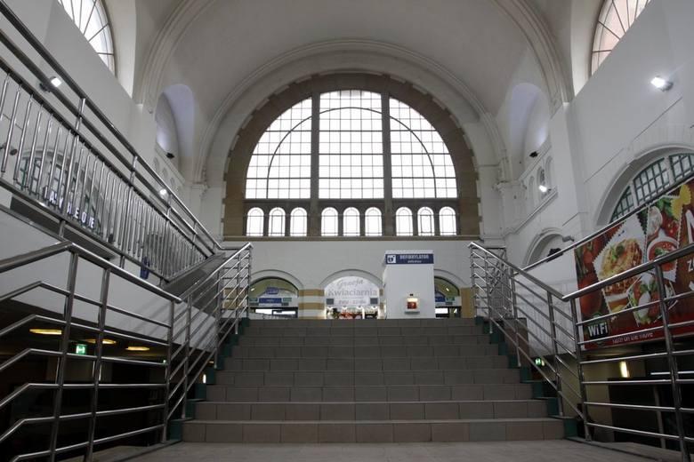 Remont dworca Gdańsk Główny zakończony. Hala dworca już bez antresoli[ZDJĘCIA]