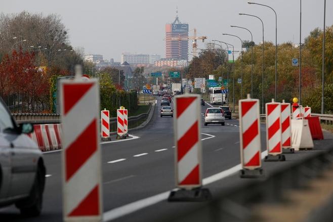 Samochody pojeżdżą trasą katowicką przynajmniej do lutego 2013 roku