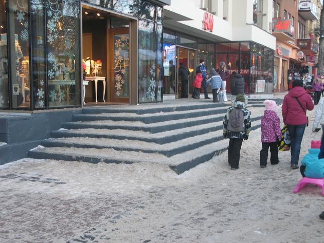 Sprawa schodów do kamienicy zatacza coraz szersze kręgi