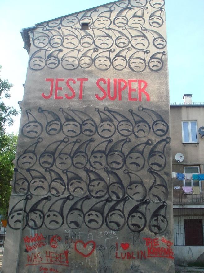 "The Krasnals, ""Jest super"", ul. Targowa 5"