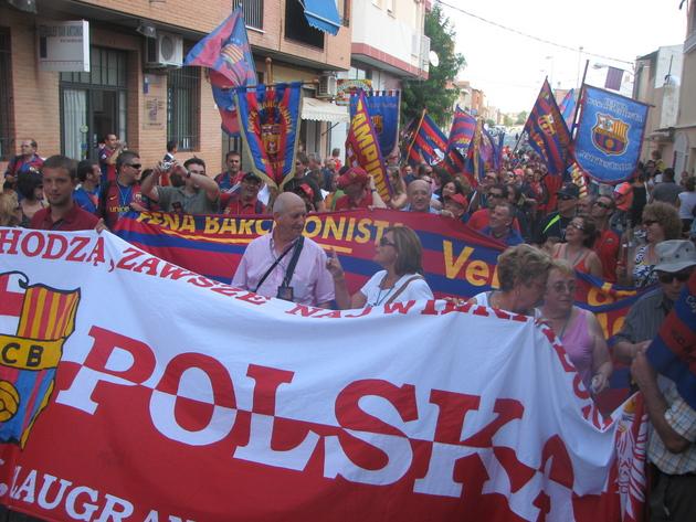 """""""Z różnych miast pochodzą, zawsze najwierniejsi"""" – polscy Cules w Totanie na międzynarodowym zlocie fanklubów Barçy"""