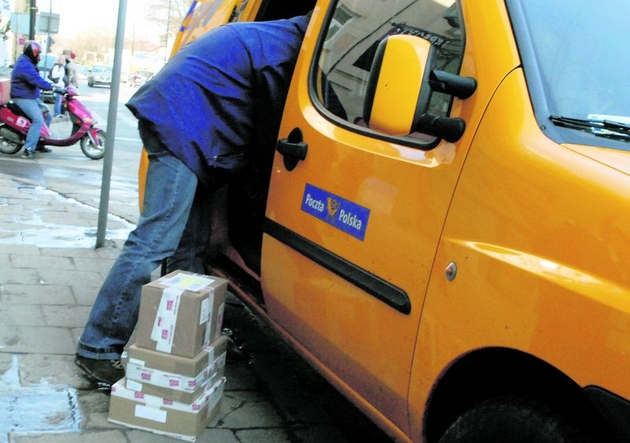 - Mamy rozbity cały dzień - skarżą się kierowcy poczty.