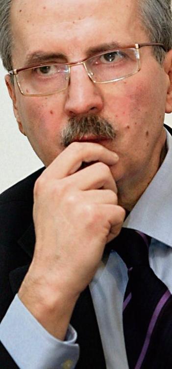 Profesor Tadeusz Huciński już nie jest rektorem AWFiS