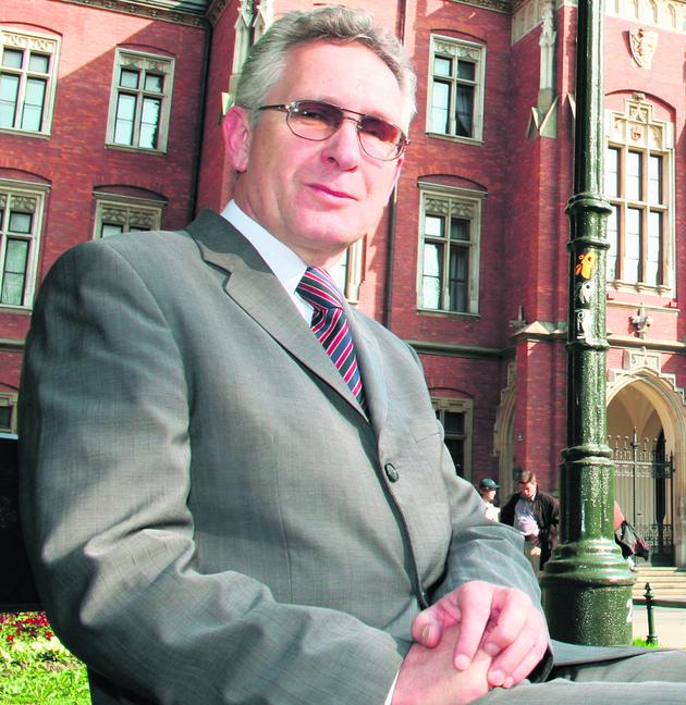 Prof. dr hab. Andrzej Chwalba