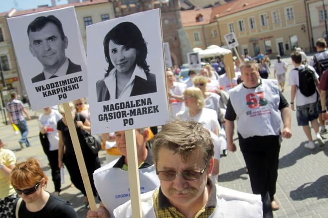 """Solidarność protestuje przeciwko ustawie """"67"""" (ZDJĘCIA)"""