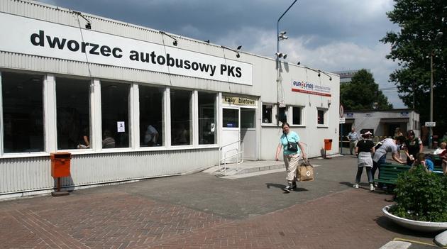 Obskurny dworzec PKS w Katowicach. Lepszego nie będzie