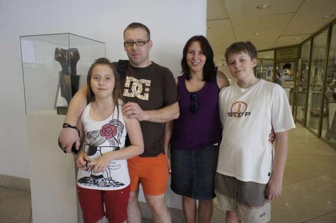 - Odwiedziliśmy Muzeum Narodowe, wybieramy się na Cytadelę.  Chcemy jak najwięcej skorzystać z akcji - mówiła Małgorzata Nowak z Mosiny, która przyjechała