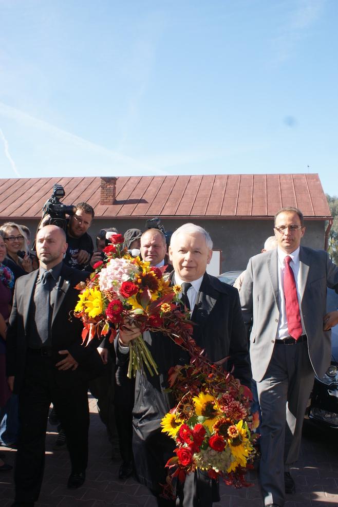 Jarosław Kaczyński odwiedził gospodarstwo w powiecie sieradzkim