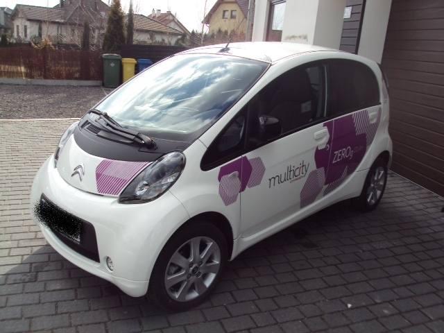 Podwyżka opłat za parkowanie w Katowicach. Ale właściciele samochodów elektrycznych stoją za darmo!