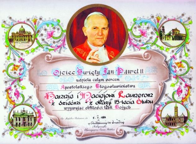 Państwo Anna i Maciej Launerowie z audiencji u Ojca Świętego przywieźli do domu błogosławieństwo Jana Pawła II, które wraz z dziećmi otrzymali z okazji