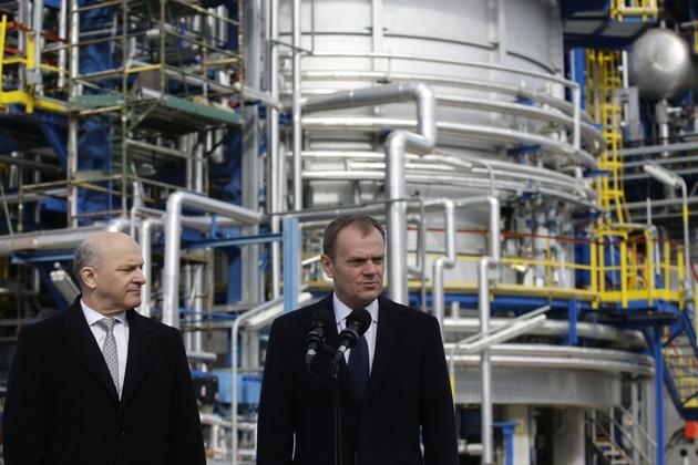 Premier Tusk w gdańskiej rafinerii (ZDJĘCIA)