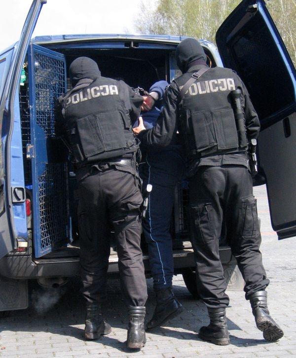 Kostrzyn: Policjant postrzelił więźnia podczas zatrzymania