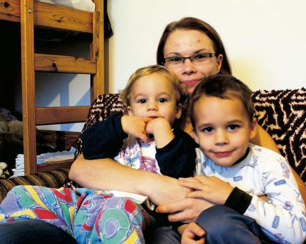 Edyta Ney, mama Filipa i Hani, musi pokazać zaświadczenie o zarobkach własnych rodziców.