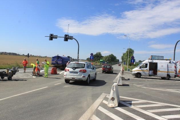 Zdaniem kierowców, to skrzyżowanie łącznika AOW z drogą Wrocław-Długołęka-Warszawa, zostało zaplanowane bez głowy