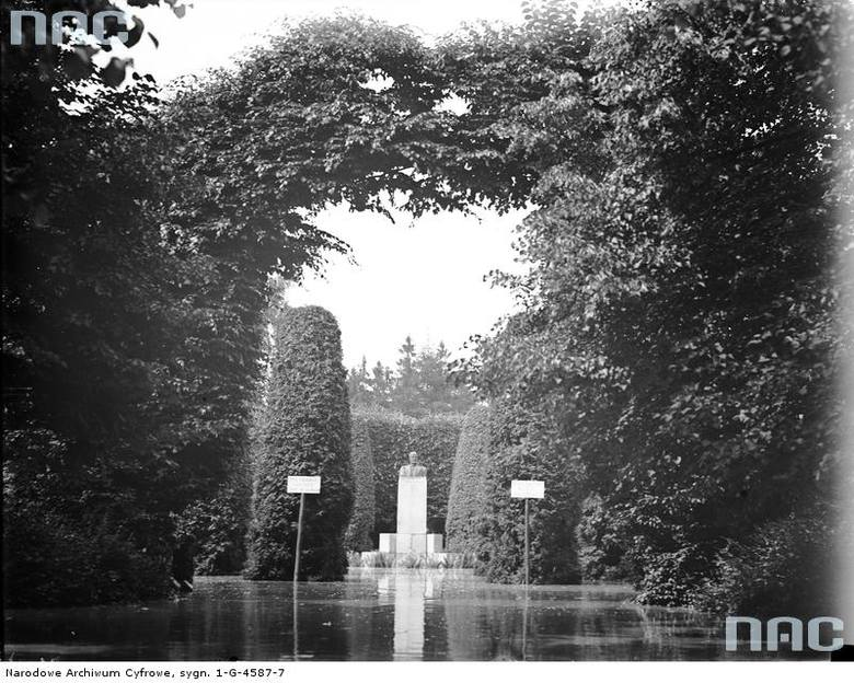 Fragment zalanego Parku Jordana.<br /> http://audiovis.nac.gov.pl/obraz/94155/cfbe47804c54d9232169c2003327ddfa/