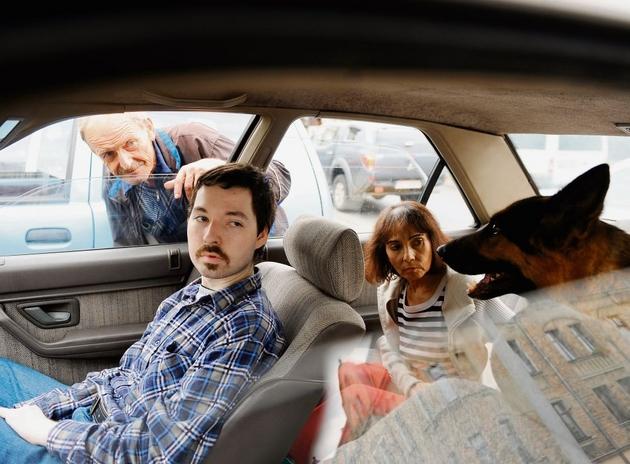 Rodzina Nowaków wraz z psem spędzi kilka najbliższych nocy w samochodzie