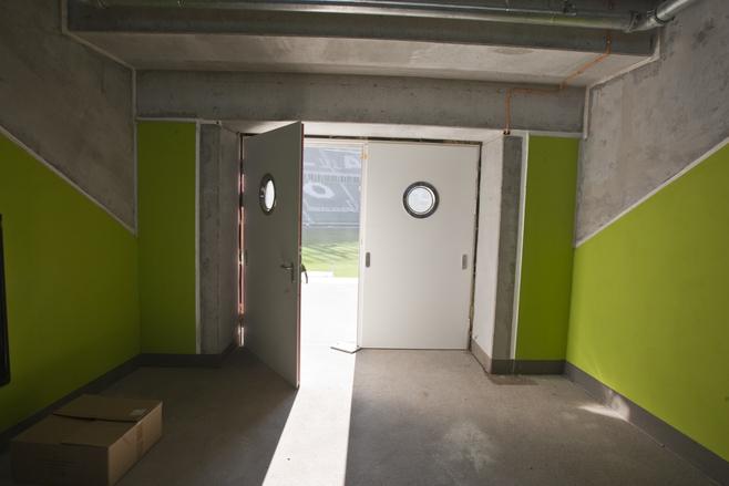 To wejście na trybuny z holu stadionowego, tzw. promenady