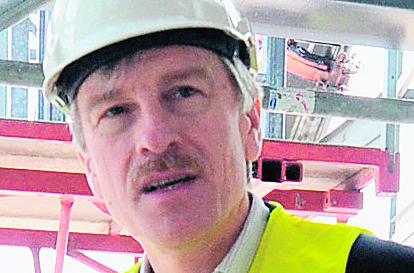 Ryszard Grobelny na budowie nowego dworca kolejowego w Poznaniu