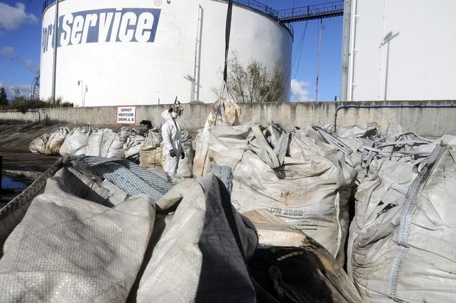 Woda w Ełganowie nie truje, ale kary dla Port Service będą surowe