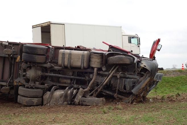 Śmiertelny wypadek w pobliżu autostrady A4 (ZDJĘCIA)