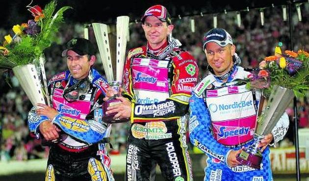 Jedną z najpiękniejszych  chwil w karierze Leigh Adamsa było zwycięstwo w finałowym wyścigu turnieju o Grand Prix Europy 2008 na torze w Lesznie. Na