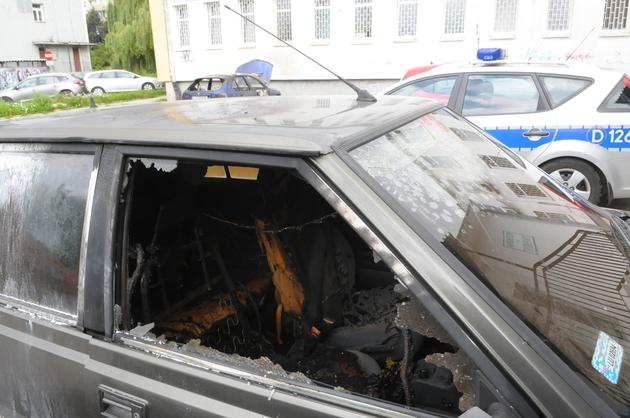 Ul. Tymiankowa: Pożar pięciu samochodów