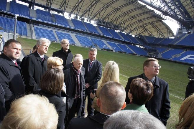Poznań: Minister Michał Boni odwiedził stadion [FILM, ZDJĘCIA]