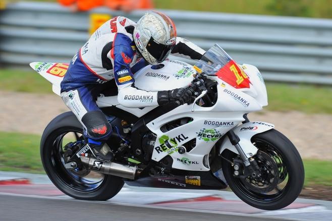 Motor Artura Wielebskiego osiąga prędkość niemal 300 km/h.