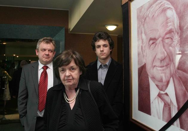 Żona Profesora dr Anna Religa, syn Grzegorz oraz Maciek, wnuk Profesora