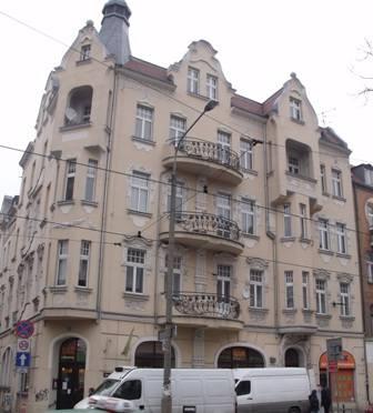 W kamienicy przy Dąbrowskiego 39 można wyremontować i wynająć mieszkanie o pow. 62,7 mkw.
