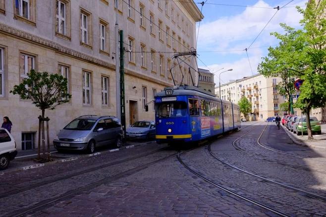 Awaria sieci trakcyjnej w Poznaniu sparaliżowała w sobotę w południe ruch tramwajowy w kierunku Miłostowa