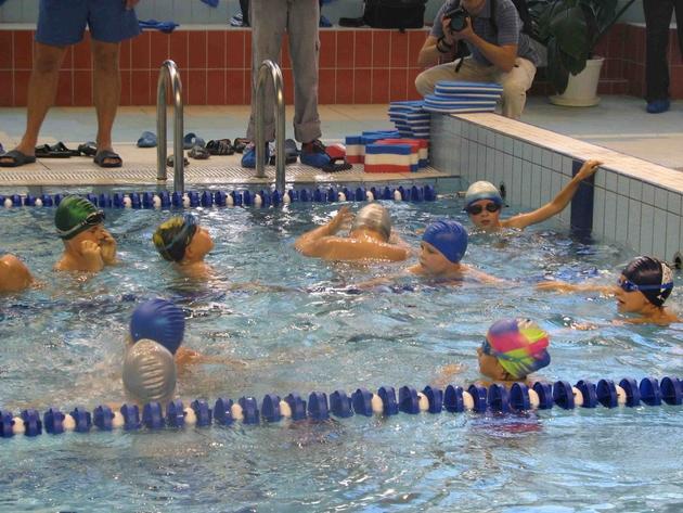 Woda w każdym krytym basenie jest kontrolowana przez sanepid co dwa tygodnie