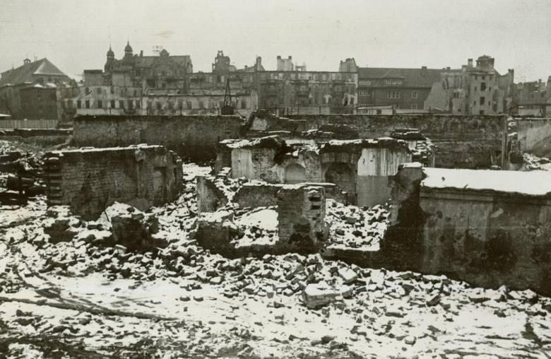Widok z ulicy Wenecjańskiej w kierunku ulicy Szyperskiej.