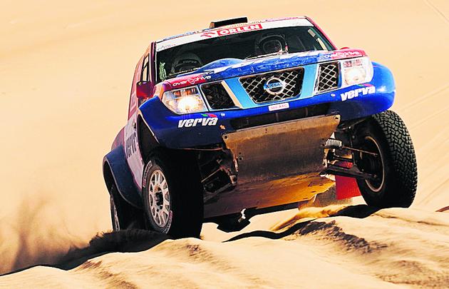 Nissan navara Hołowczyca był przed awarią najszybszy z aut niefabrycznych