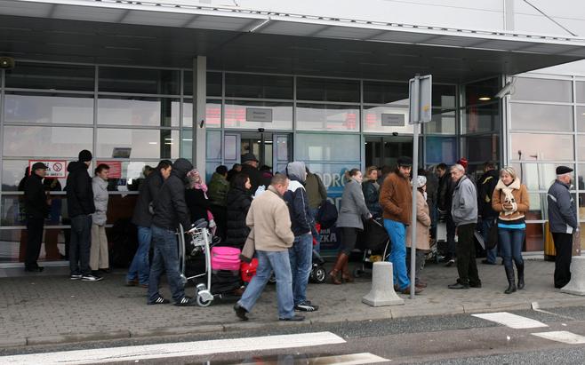 Ewakuacja na łódzkim lotnisku [ZDJĘCIA+FILM]