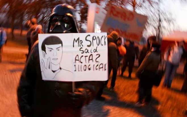 1000 osób protestowało przeciwko ACTA (ZOBACZ ZDJĘCIA)