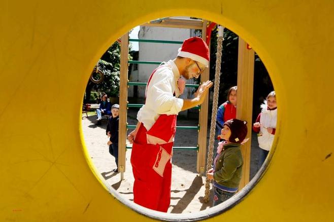 W Starym Zoo maluchy słuchały bajek i legend z dalekich krajów, oglądały spektakl teatralny i brały udział w ciekawych warsztatach