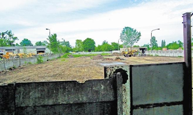 W Poznaniu, mimo że urzędnicy sprzeciwiają się inwestycji, trwa utwardzanie terenu
