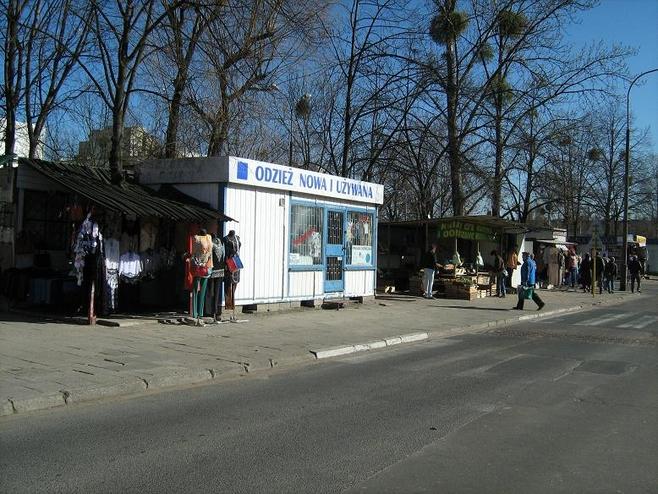 Wjazd na osiedle od strony ul. Zamenhofa.