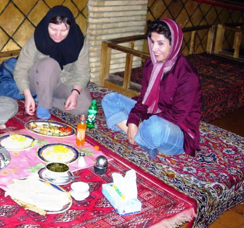 Restauracja w Teheranie znajdująca się na terenie tradycyjnego bazaru.