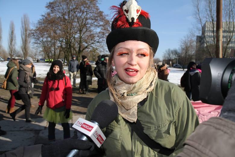 Wrocław: Kilkaset osób na paradzie przeciwko nienawiści (ZDJĘCIA)
