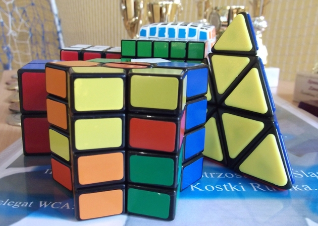 Świerklany: Mistrzostwa Śląska w układaniu Kostki Rubika [ZDJĘCIA i VIDEO]
