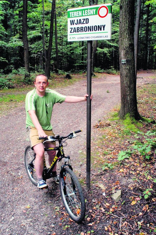 Zakaz jazdy na rowerze w parku w Bielsku-Białej